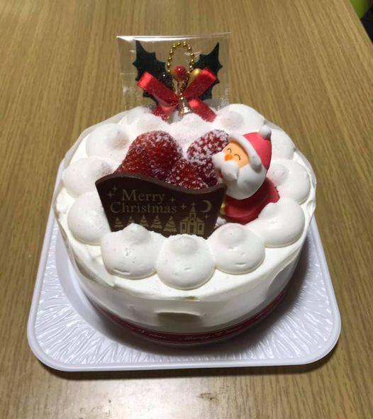 今日はクリスマスケーキをお渡しする日