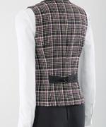 バックスタイル丸いバックルの背ベルトが可愛さをアップ。背中のラインに沿ったパターンで姿勢をサポートします。