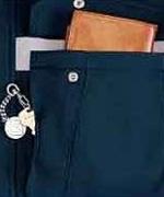 左胸二重ポケット<br/>(便利なファスナー付)
